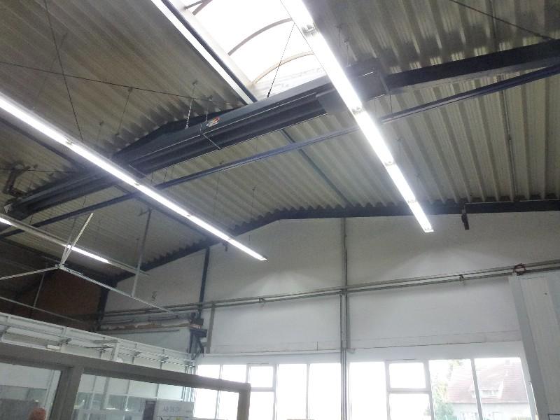 2015-04-15 / Energieeffiziente Beleuchtung installiert in Halle 1 ...
